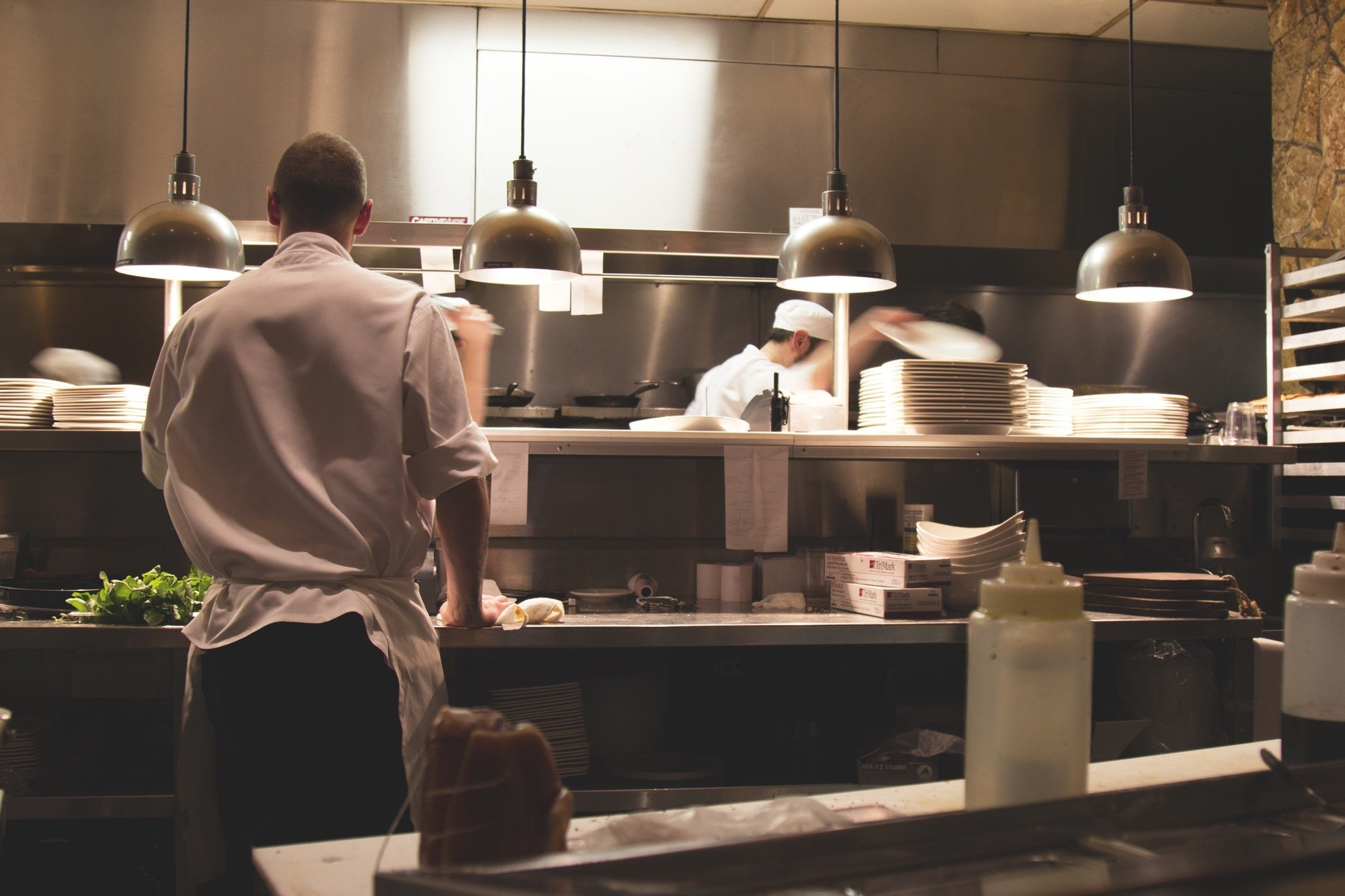 Lavoro nei ristoranti in sicurezza igenico sanitaria